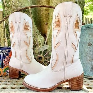 FRYE Rare White Vintage Floral Western Boots 8.5